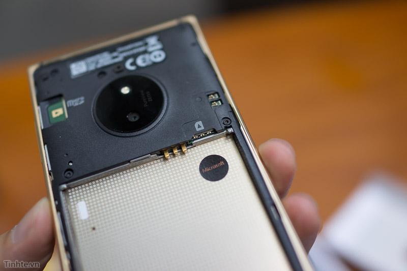 Под крышкой Lumia 830 Gold Edition